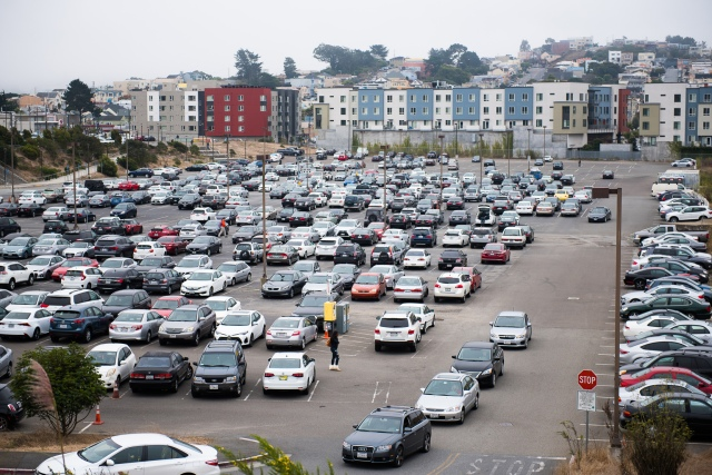 Balboa Reservoir parking at 12:30 as classes get out. Taken Aug 28 2017 by Otto Pippenger.