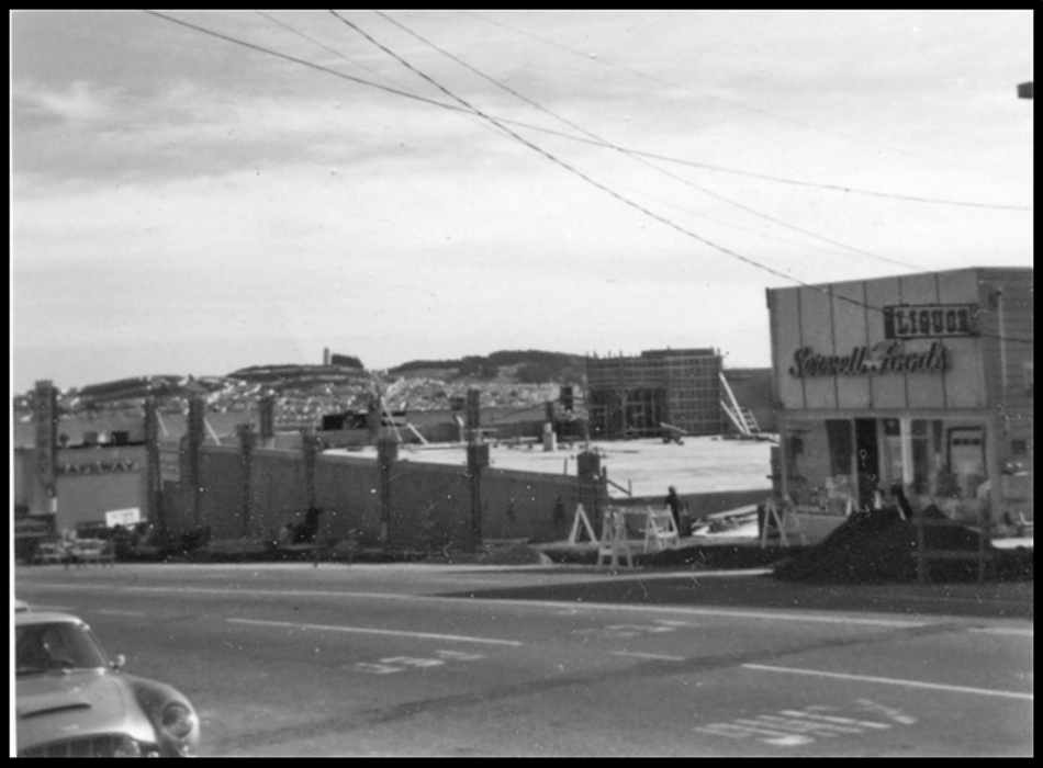 1972-Safeway-being-built-624Mont-MtDavidson_org_RonDavi-s